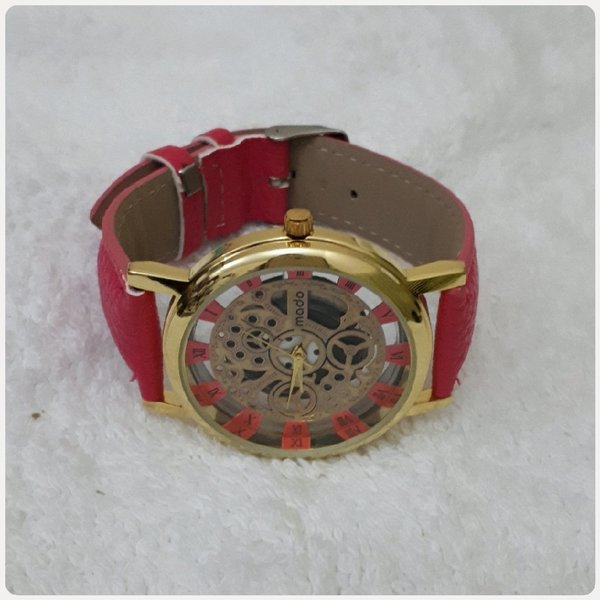 Used Red watch for lady in Dubai, UAE