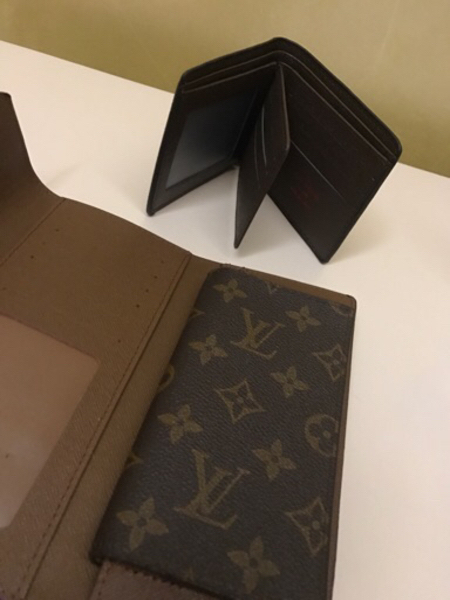 Used Wallet for Him and Her with boxes - LV in Dubai, UAE