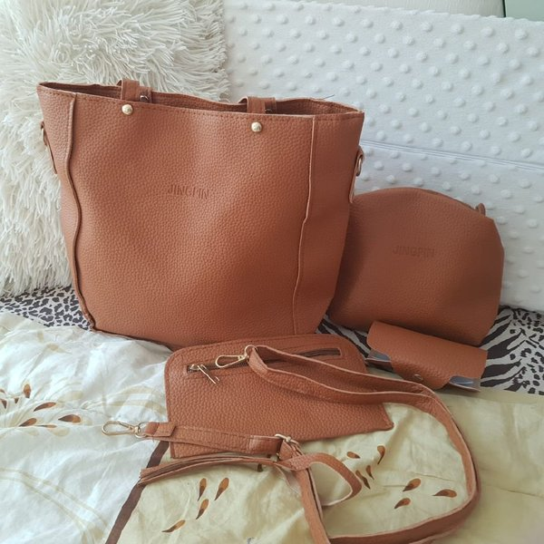 Used Ladies bags 4 in 1 in Dubai, UAE