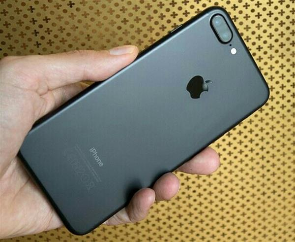 Used Iphone 7plus 128 Gb 3 Gb Ram 1st Copy With Replacement Gruntty in Dubai, UAE