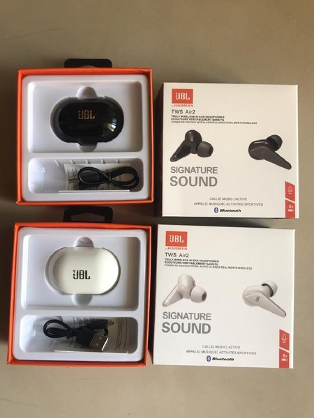 Used TWS JBL AIR2 WIRELESS EARPHONES in Dubai, UAE
