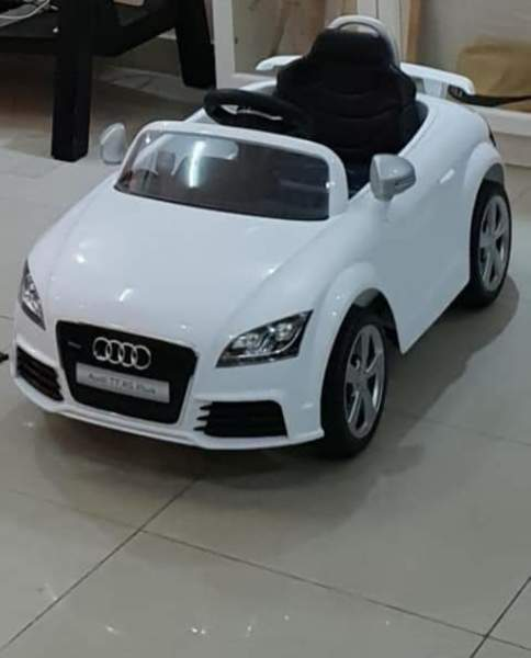 Used Rechargable toy car in Dubai, UAE