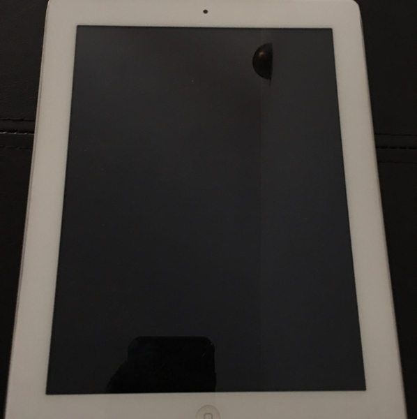 Used Ipad 2 Wifi 16gb. (not working Condition) in Dubai, UAE