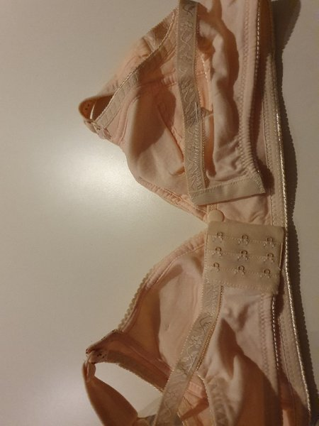 Used Maternity and nursing bra in Dubai, UAE