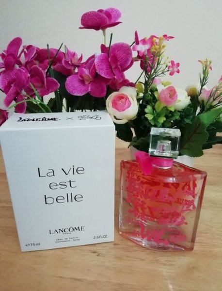 Used La vie est belle lancome in Dubai, UAE