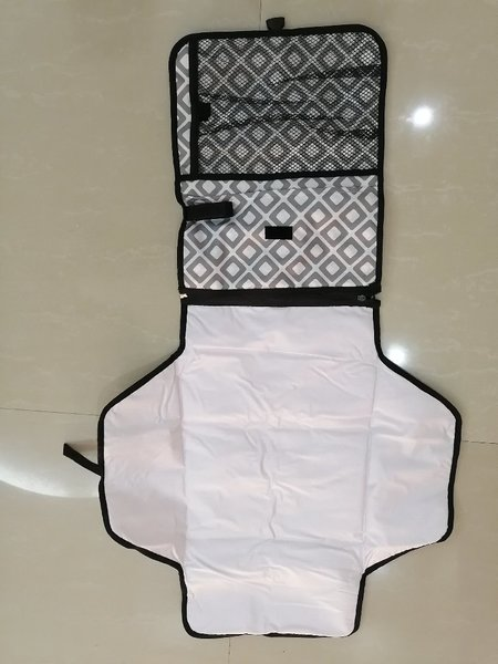 Used PORTABLE CHANGING PAD SQUARE in Dubai, UAE