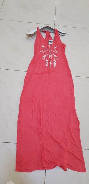 Used pink side slit long dress stretchable in Dubai, UAE