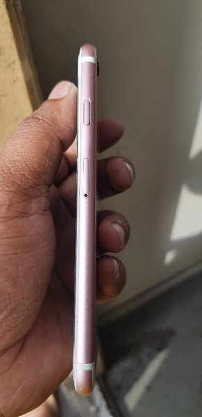 Used I phone 6s full box no handfree in Dubai, UAE
