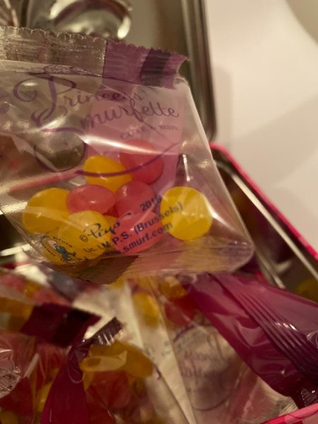 Used Jelly beans in box in Dubai, UAE