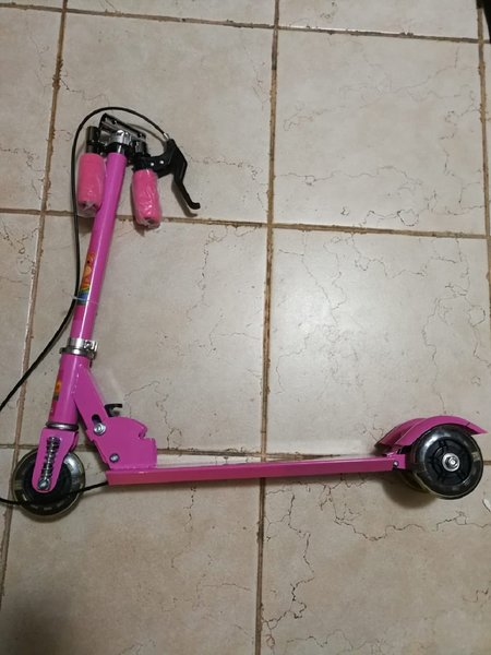Used Brand new foldable pink kids scooter in Dubai, UAE