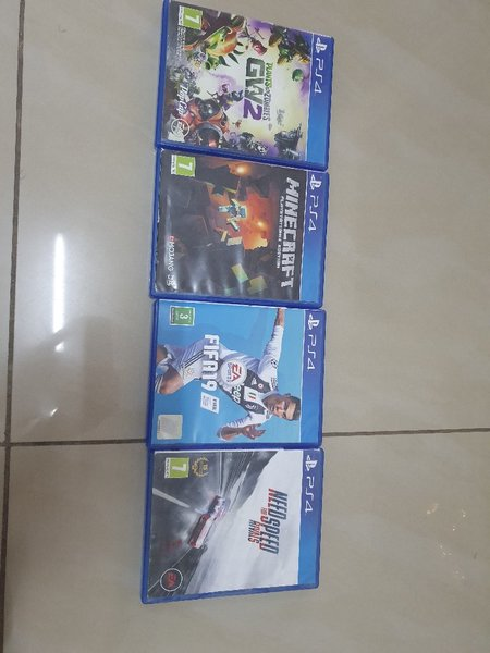 Used 4 Ps4 games ( bundle ) Good condition in Dubai, UAE