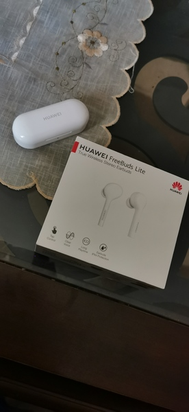 Used Huawei freebuds lite White in Dubai, UAE