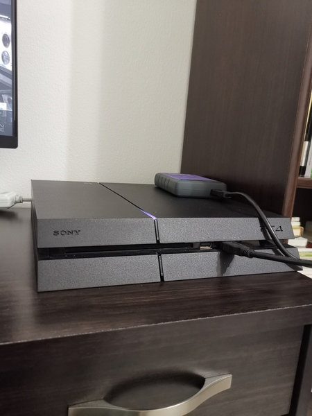 Used SONY PS4 FOR URGENT SALE! in Dubai, UAE