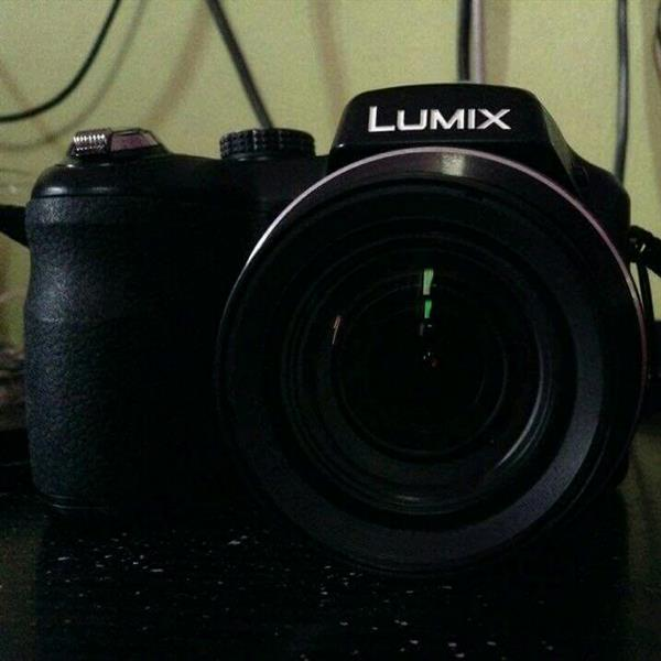 Used Panasonic LUMIX, 16 Megapixel, Used One Handedly And Very Rarely Used. No Negotiations please. in Dubai, UAE