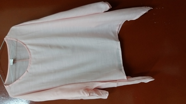 Used Pink blouse + Women's rubber bands in Dubai, UAE
