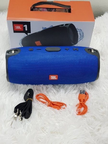 Used Xtreme model JBL speakerś blue in Dubai, UAE