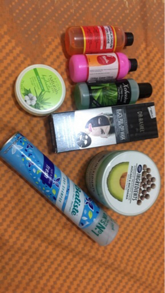 Used Bundle for face nails and hairs in Dubai, UAE