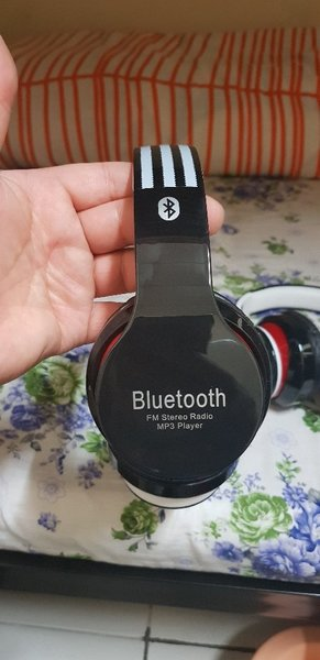 Used Blutooth Headphone 2 Pcs Without Box New in Dubai, UAE