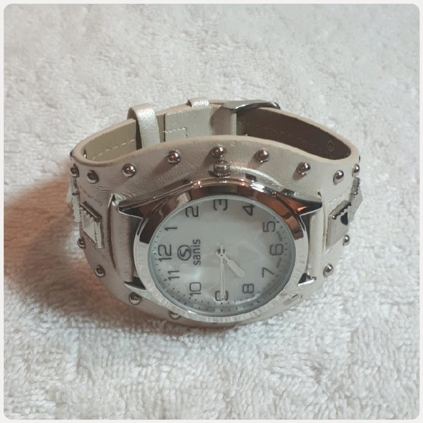Used SANIS WATCH FOR HER NEW in Dubai, UAE