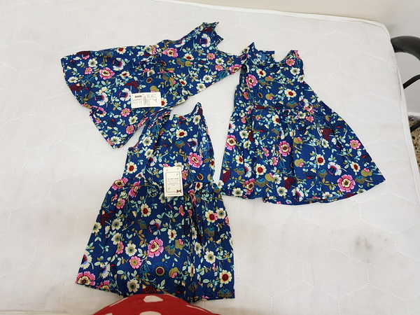 Used 3 years old baby cloth set for girls in Dubai, UAE