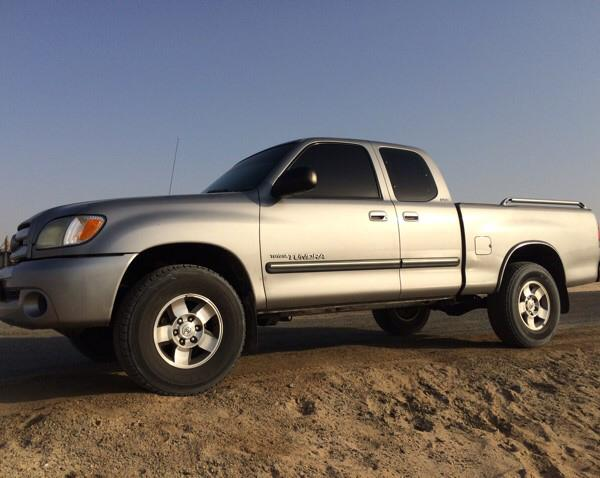 Used Toyota TUNDRA 2003 Silver (107000km Only) in Dubai, UAE