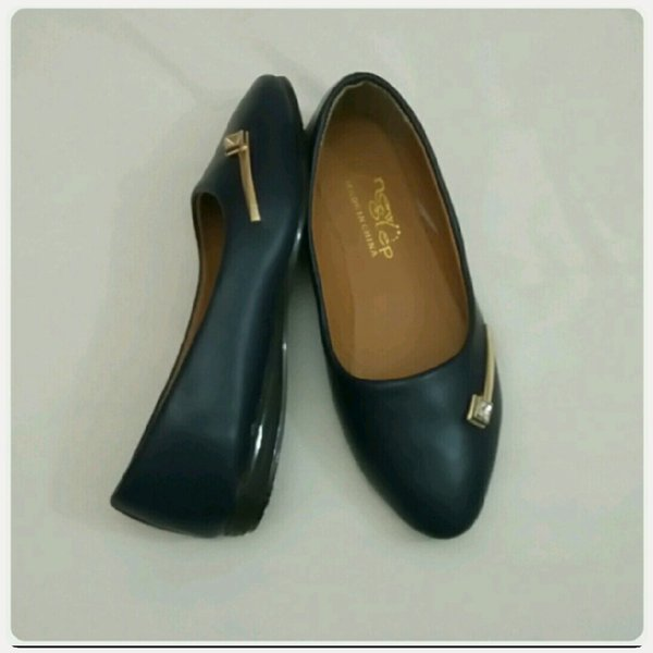 Used Navy blue  shoes available size-37-39 in Dubai, UAE