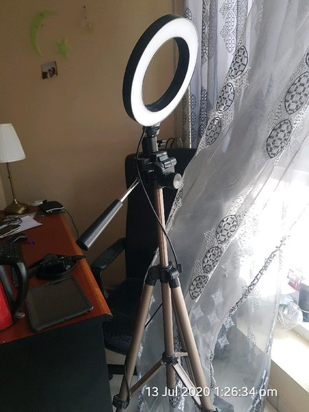 Used TIKTOK LIGHT&Tripod in Dubai, UAE