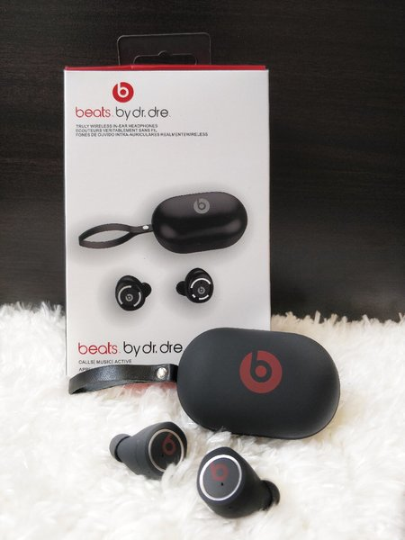 Used BEATS NEW BY DR DRE EARPHONES PACKED BOX in Dubai, UAE