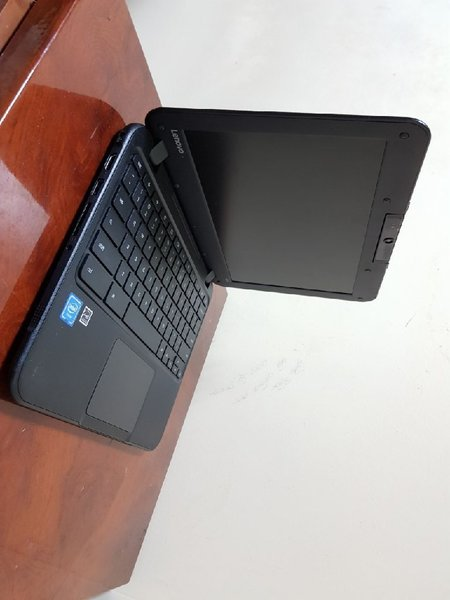 Used Lenovo Chromebook With Rotating Camera in Dubai, UAE