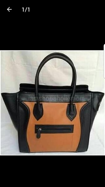Used 2 Ladies bag in Dubai, UAE