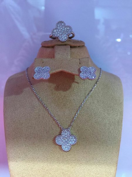 Silver 925 purity  pendent set