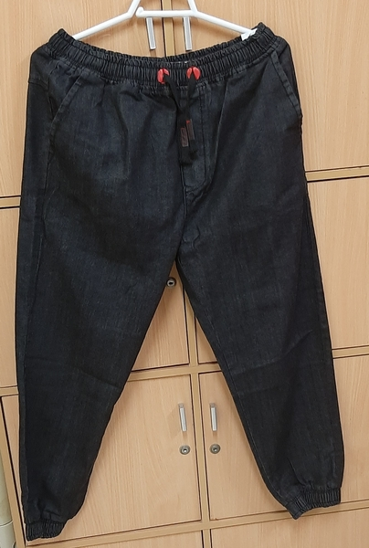 Used Pant, 34 size for him in Dubai, UAE
