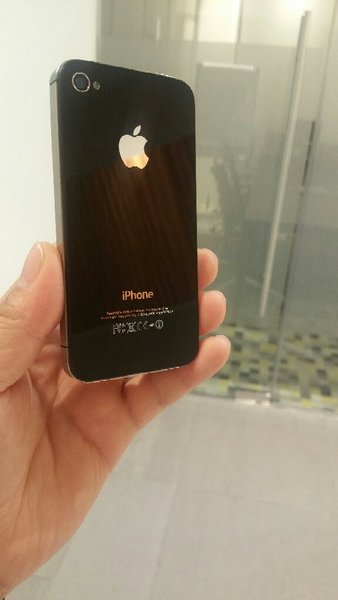 Used IPhone 4 Original 16 GB With Charger in Dubai, UAE