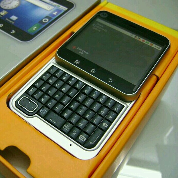 Used Motorola FLIPOUT MB511  in Dubai, UAE