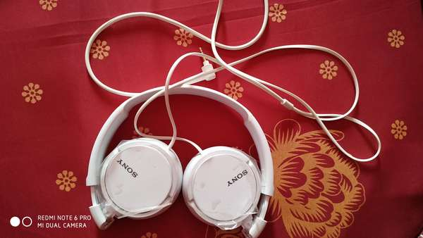 Used Sony Over Ear Headphone in Dubai, UAE