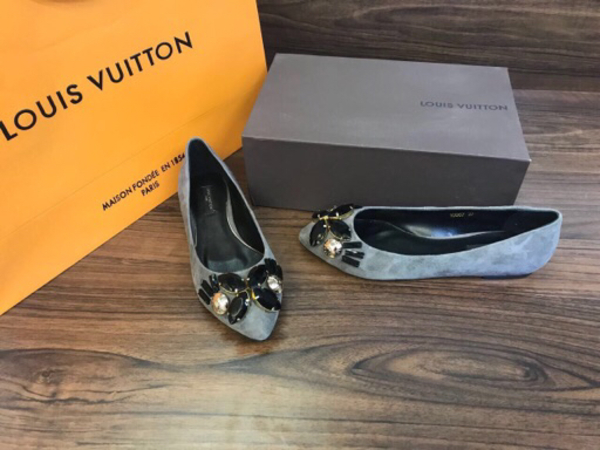 Used Brand new Louis Vuitton Flats  in Dubai, UAE
