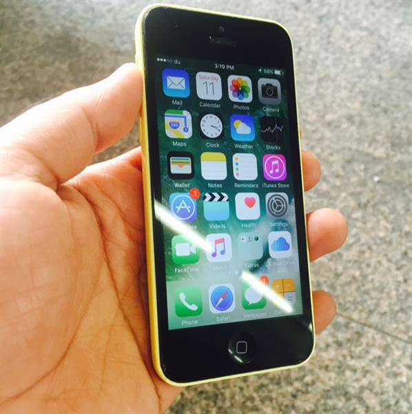 240AED Discount Iphone 5C 16GB Yellow