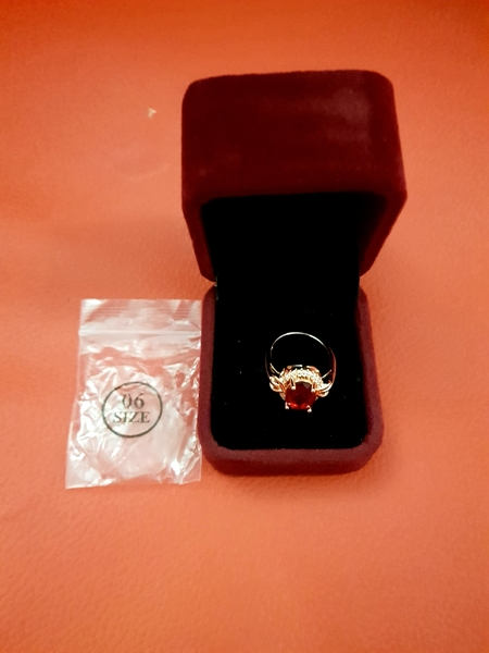 Used 18k plated Diamond Gold Ring in Dubai, UAE
