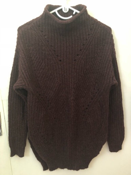 Used Knitted sweater  in Dubai, UAE