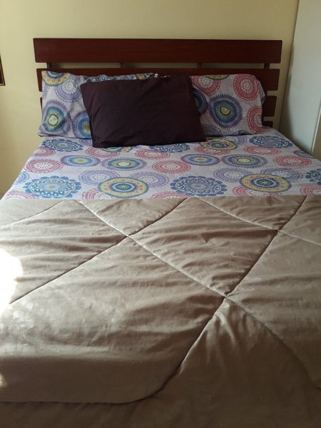 Used Queen size double bed in Dubai, UAE