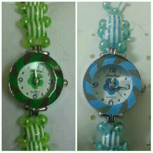 Used Two Kids Watch..green Color And Nlie Color in Dubai, UAE