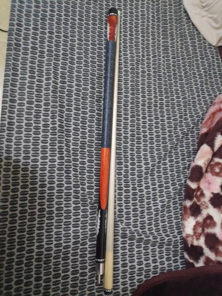 Used customized cue stick in Dubai, UAE