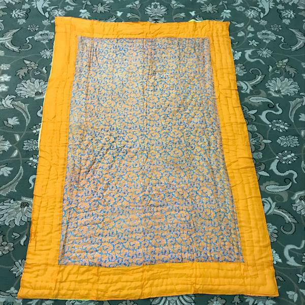 Used Warm Light Weight Single Bed Indian Quilt in Dubai, UAE
