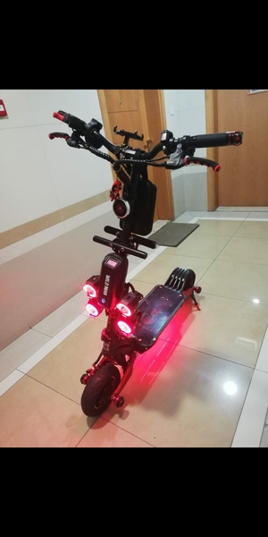 Used e scoot in Dubai, UAE
