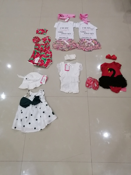 Used 6 brand new baby girl sets 3-6 months in Dubai, UAE