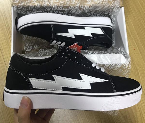 Used New Van's shoes class A (42 size ) in Dubai, UAE