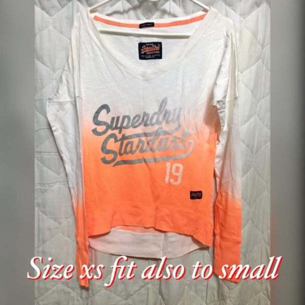 Used Original Superdry Longsleeve in Dubai, UAE