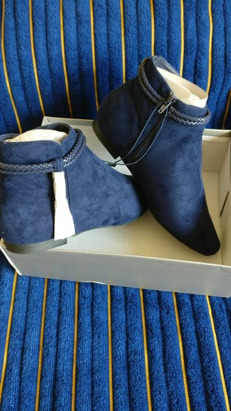 Used Brand New Navy boots size eu40 in Dubai, UAE