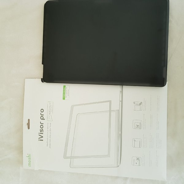 Used MacBook Pro 15 Cover in Dubai, UAE