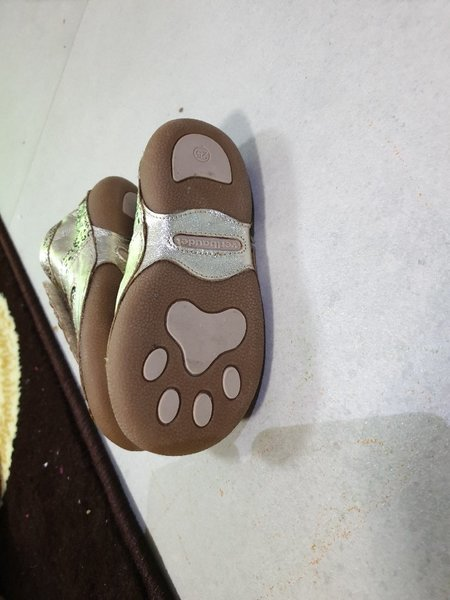 Used Kids shoes new soft leather price for 1 in Dubai, UAE